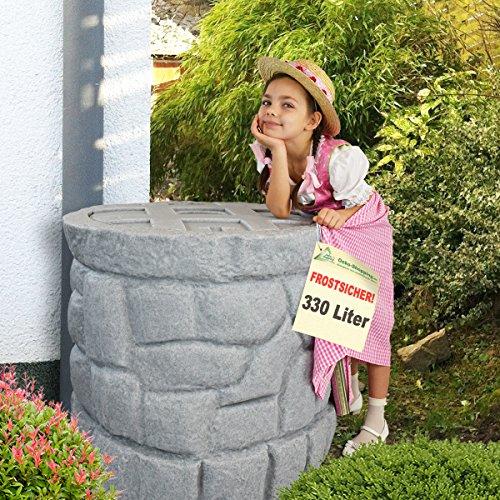 Regentonne Märchenbrunnen granit-grau 330 l Regenfass FROSTSICHER mit stabilem Deckel und Wasserhahn schöner und fast unverwüstlicher Regenspeicher echte Steinstruktur BRUNNEN wie gemauert