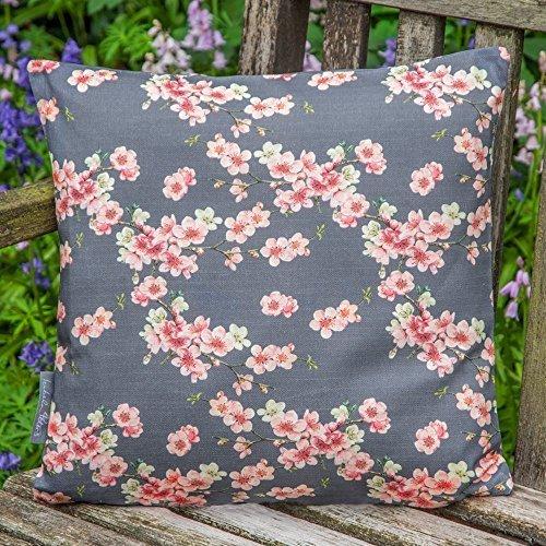 Designer Wasserdicht Garten Außen Kissen - Cherry Blossom - Stechmücken Bank Garten Sammlung - Entworfener Bedruckt handgefertigt in Großbritannien - Graphit Set mit 2 50cm x 50cm Kissen