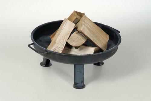 Massive Feuerschale 55 cm  5 Stk Kaminholz Buche ✓ Klöpperboden ✓ Massiver Stahl ✓ Made in Germany  Große Feuerschale für draußen  Runde Metall-Feuerstelle für den Garten
